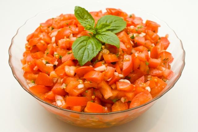2104 Tomatensalat (mind. 1000g)